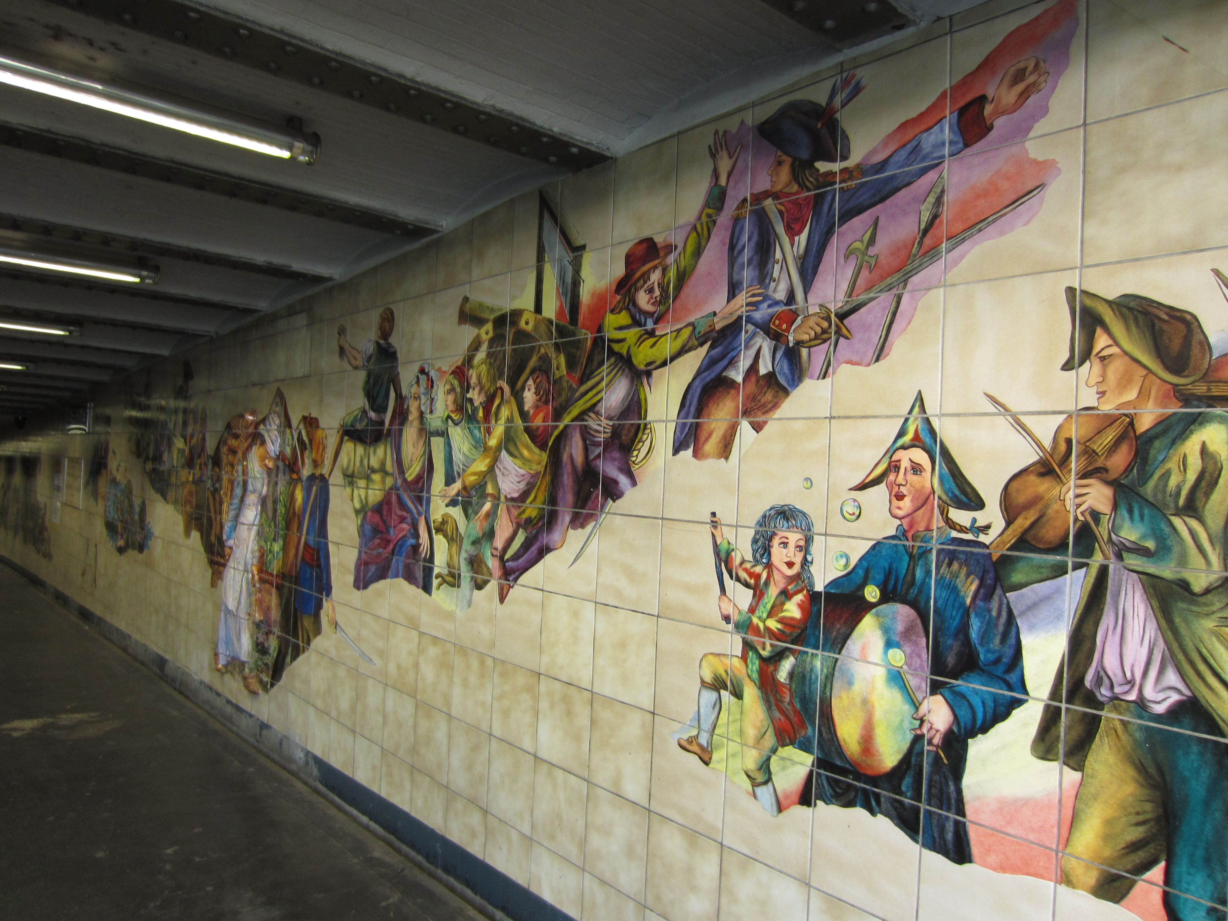 bastille station metro art