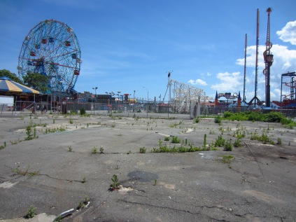 Fun mixed with neglect - modern day Coney Island theme park