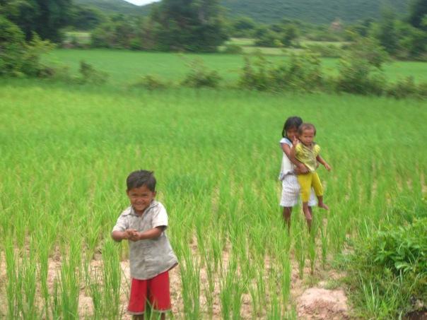 Friendly kids, Kampot province