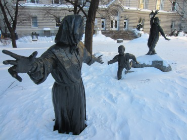 Saving statue kids from the snow