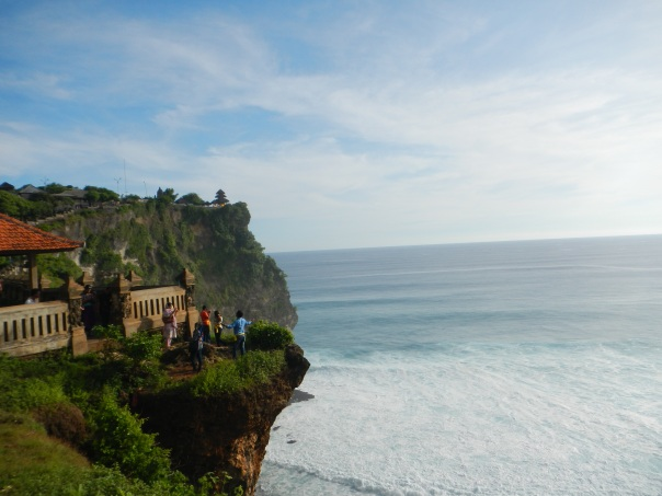 The temple of Uluwatu (background)