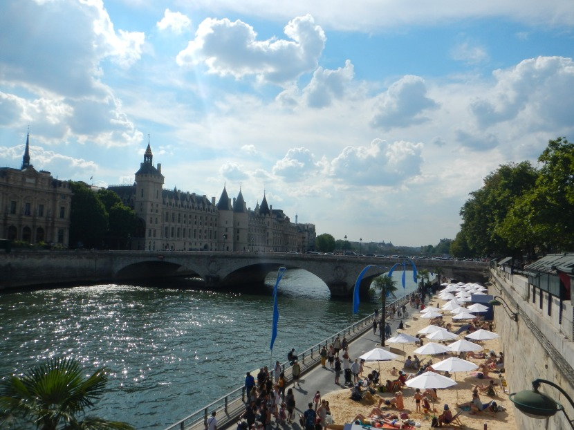 Paris Plages, the artificial beaches on the Seine