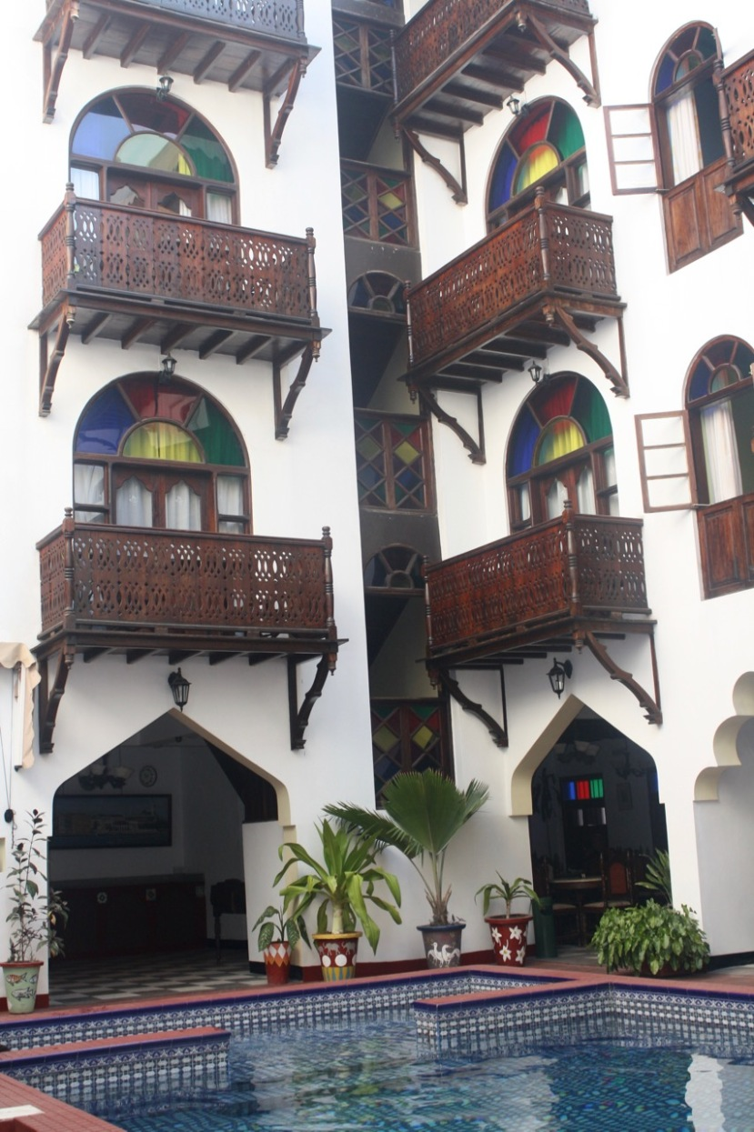 The Dhow Palace in Zanzibar – A luxury hotel on a rough camping trip